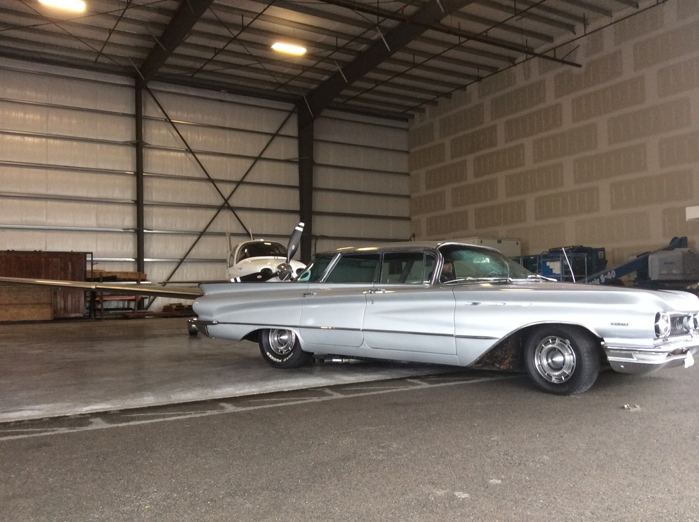 "1960 Buick Invicta<div class=""sold"">sold</div>"