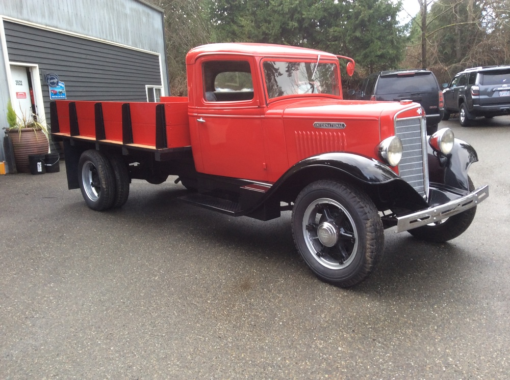 "1934 International 1 1/2 Ton<div class=""sold"">sold</div>"