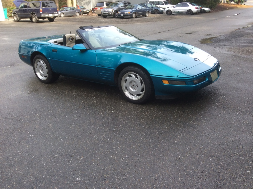 "1992 Chevy Corvette<div class=""sold"">sold</div>"