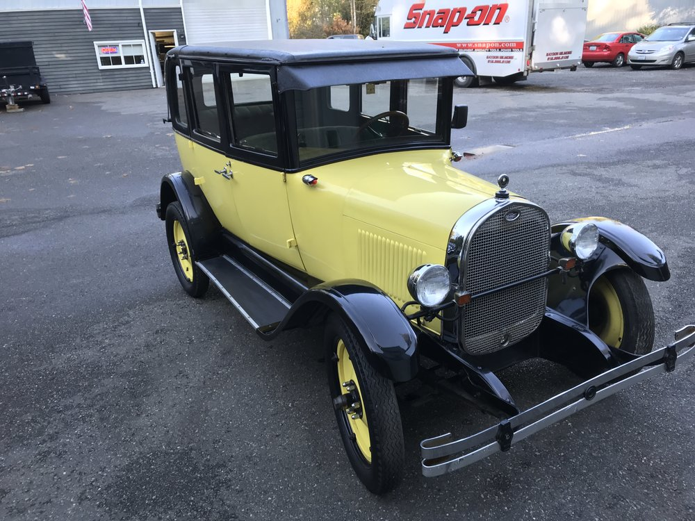 "1925 Chevrolet Landau<div class=""price"">$15,500</div>"