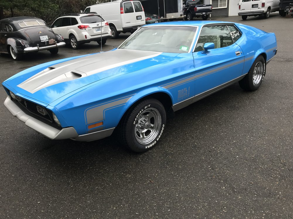 """1972 Ford Mustang Mach 1<div class=""""sold"""">SOLD</div>"""