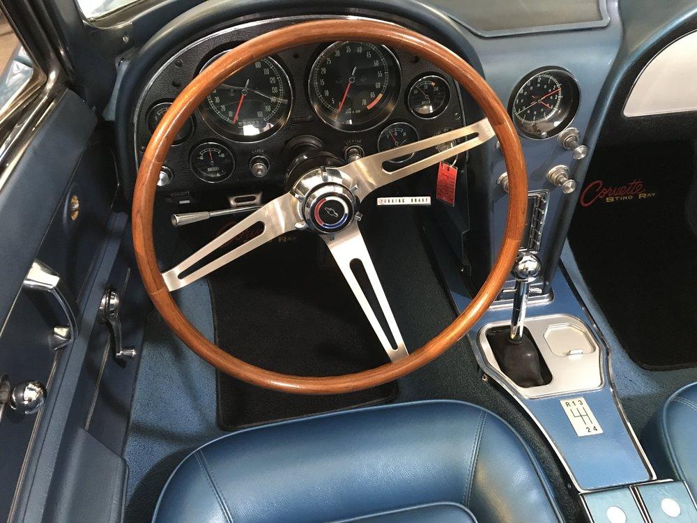 1965_chevy_corvette (37).JPG