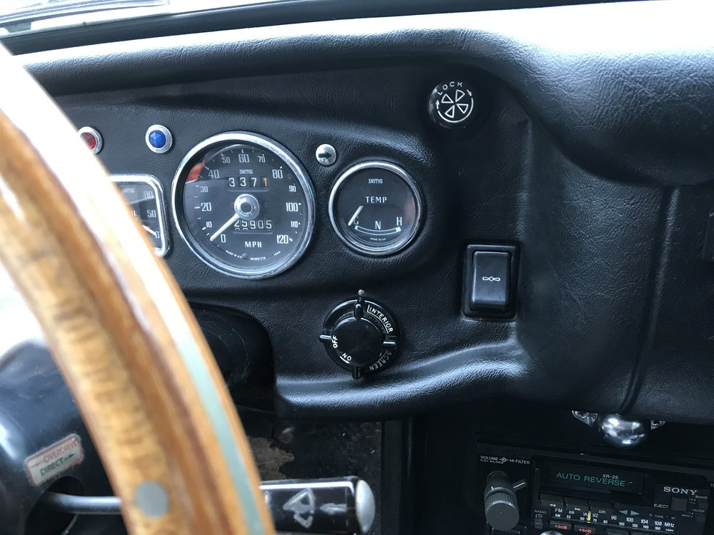 1969 MGB GT (12).JPG