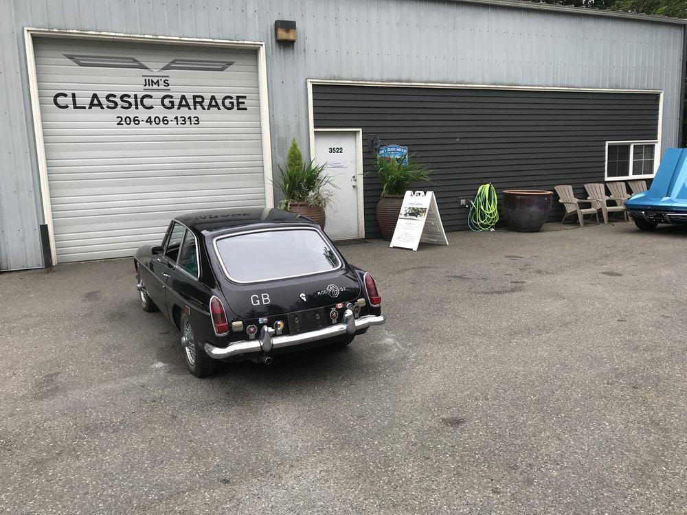 1969 MGB GT (30).JPG