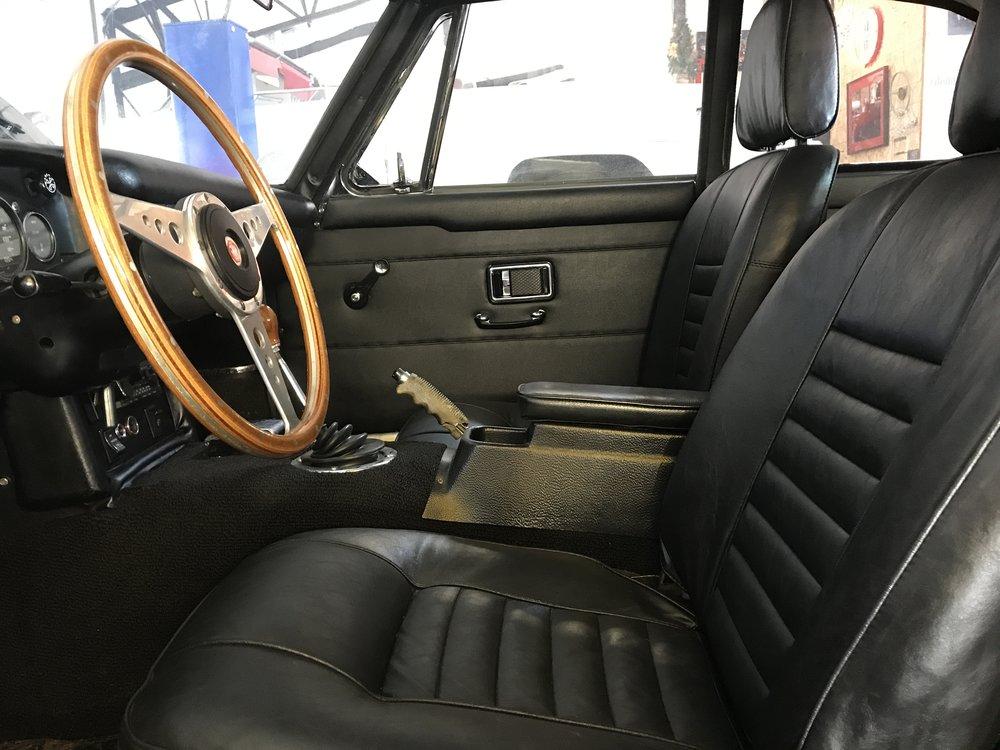 1969 MGB GT (60).JPG