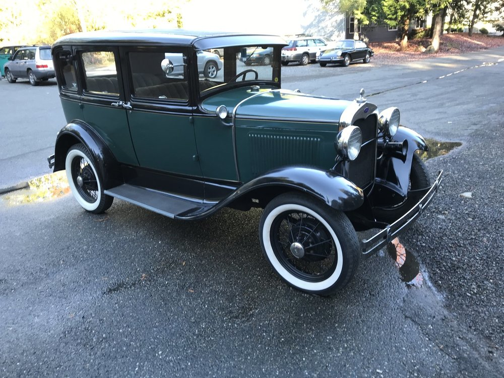 """1930 Model A<div class=""""sold"""">SOLD</div>"""