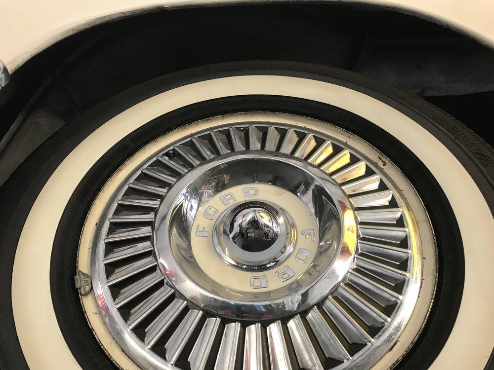 1957 Ford Thunderbird (43).JPG