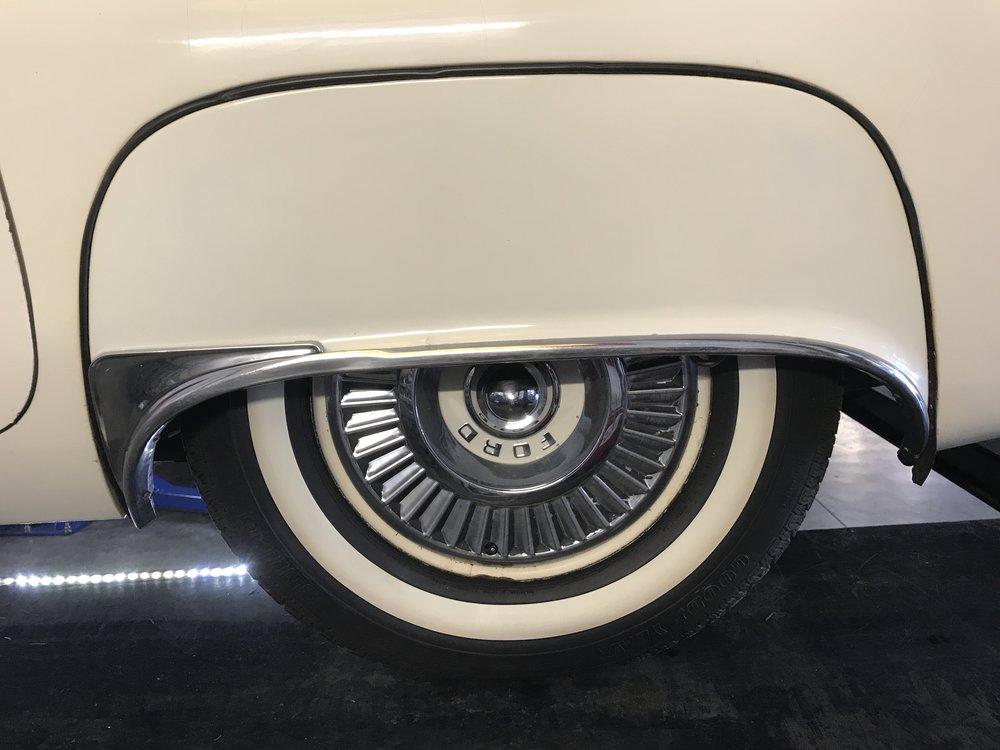 1957 Ford Thunderbird (60).JPG