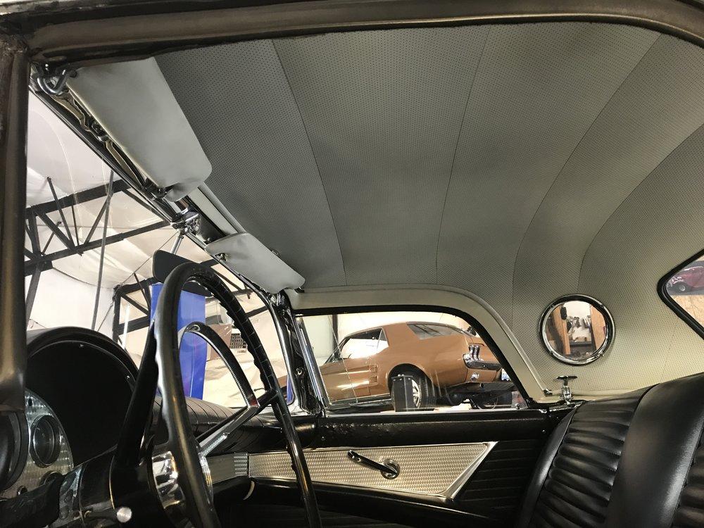 1957 Ford Thunderbird (68).JPG