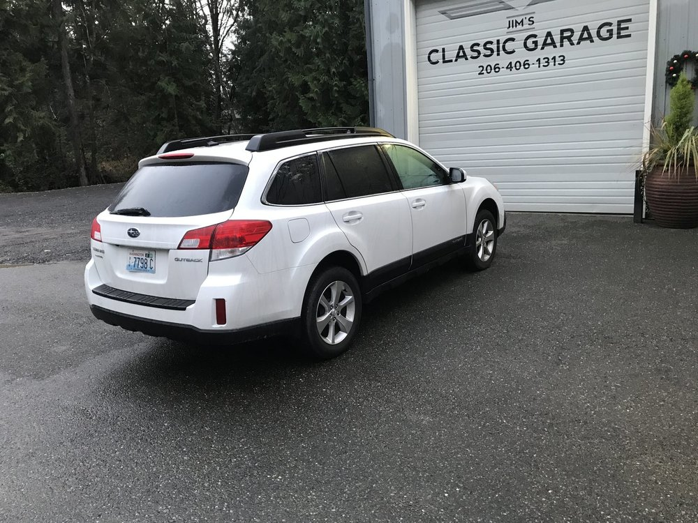 "2014 Subaru Outback<div class=""sold"">SOLD</div>"