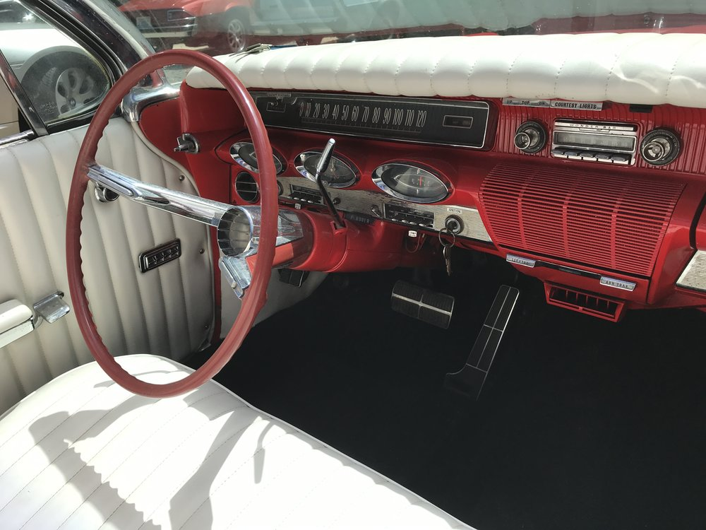 1961 Oldsmobile 98 Convertible (164).JPG