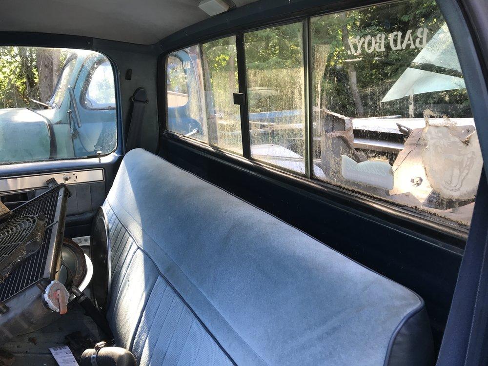 1986 Chevy Silverado (35).JPG