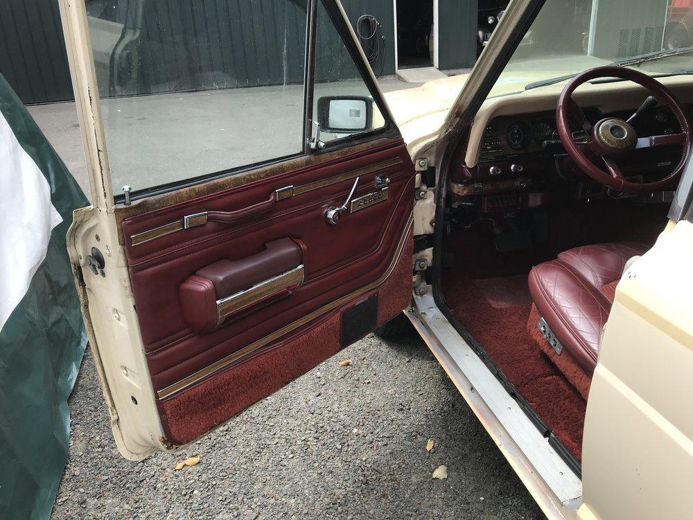 1984 Jeep Wagonner (8).JPG