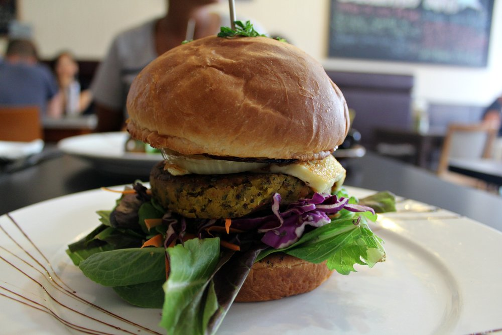 vegetarian burger at Beannie Cafe