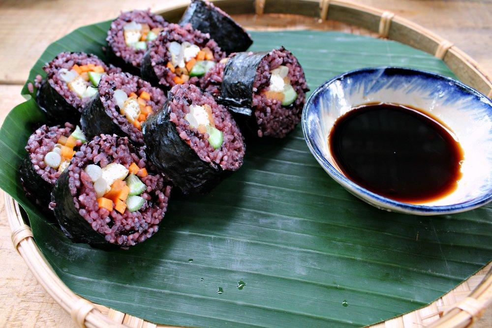 vegan sushi at Goom