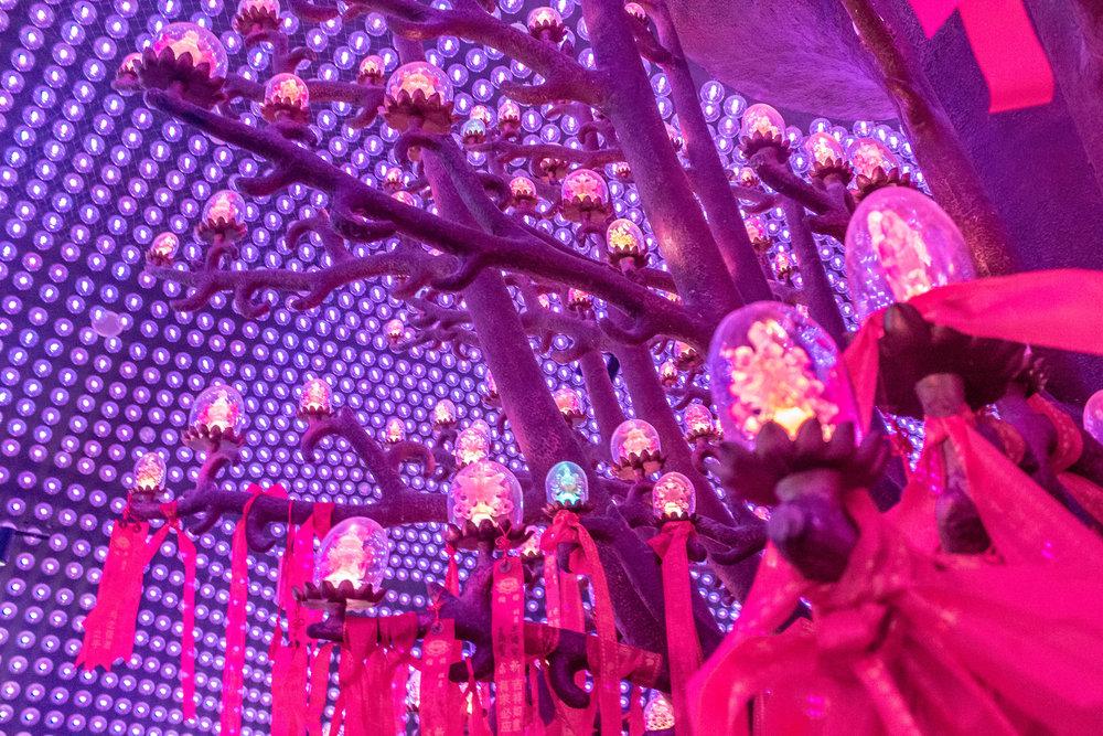 inside Baoen temple
