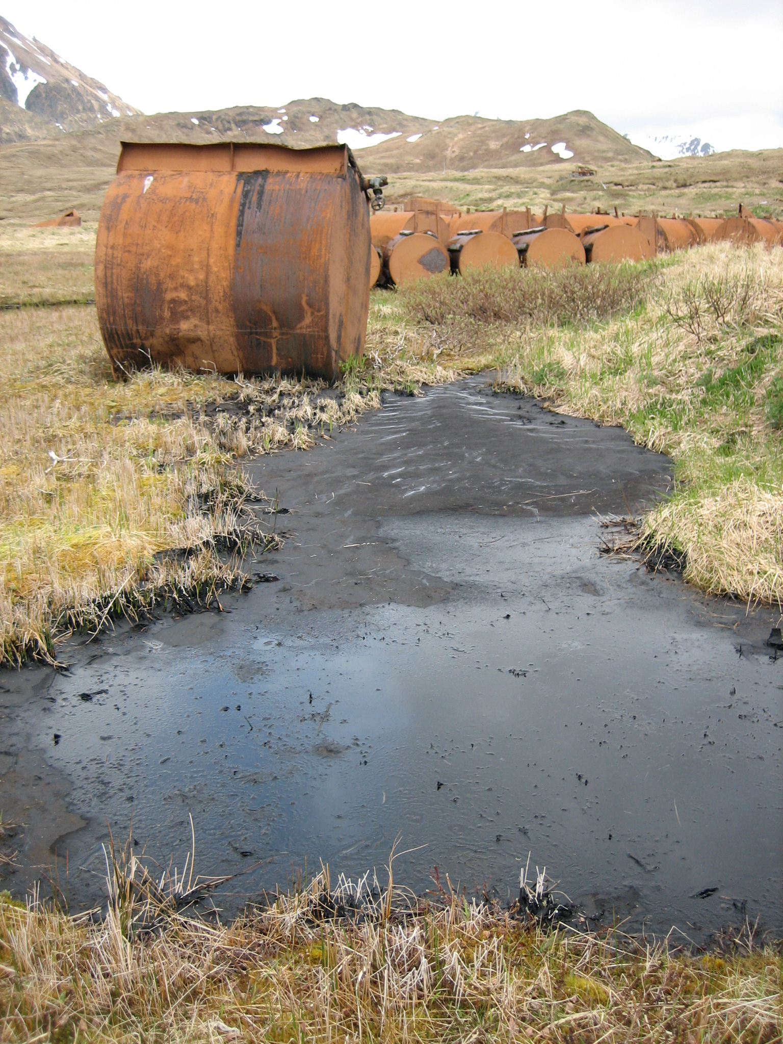 Attu-Fuel-tank-basin-single-tank-spill-1