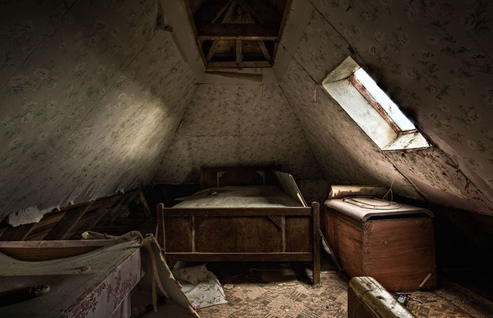 Attic-Bedroom-Isle-of-Lewis-2012-John-Maher.jpg