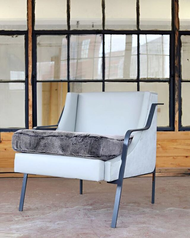 So many options to our Griffon chair- tight back, loose back, finish can be in any @benjaminmoore color, or our industrial steel or hammered gold.  Send us your COM or let us send you some designer fabric options. . . . #belleandburl #finefurniture #sleek #sexy #industrial #upholstery #chair #clubchair #lounge #restaurantseating #heart #love #lowcountry #instagram #instagood