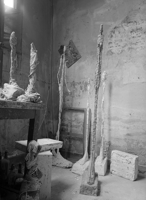 Studio-view with sculptures, ca. 1955Photographs by Ernst Scheidegger © 2017 Stiftung Ernst Scheidegger-Archiv, Zurich