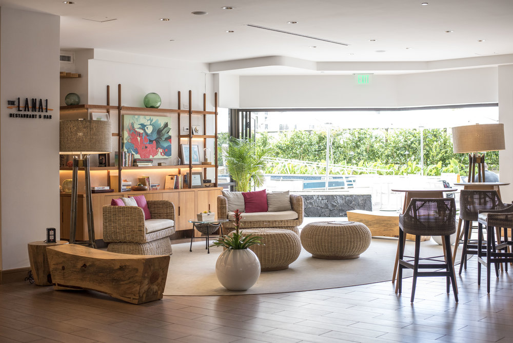 The relaxing lobby space that opens onto the outdoor pool.
