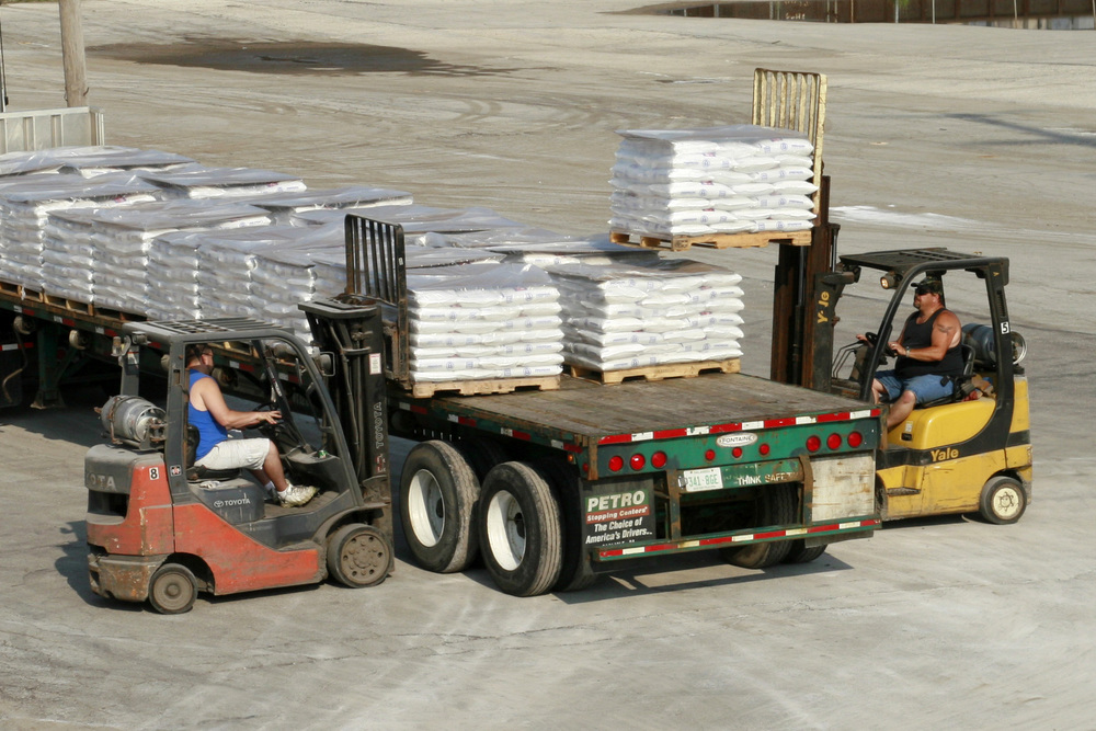 GuntherSaltTruckPallets_2048x1365.jpg