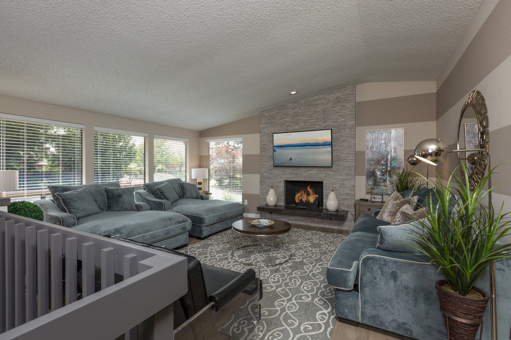 Is it possible to fall in love at first sight? You'll become a believer after you set your eyes on this HUGE living room.