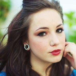 brunette2.jpg