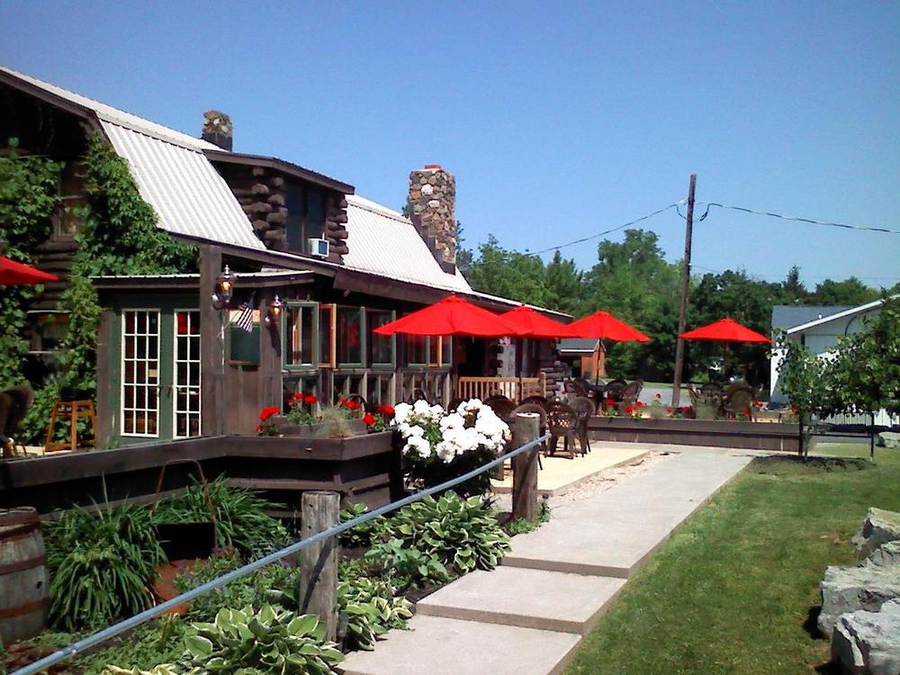 O'Malley's Cabin on the Lake at Kidders Landing offers lakeside dining with an unequaled view of beautiful Cayuga Lake. On their large outside decks you can have a choice of exposed or covered seating or you can choose to dine indoors in their recently remodeled dining room.