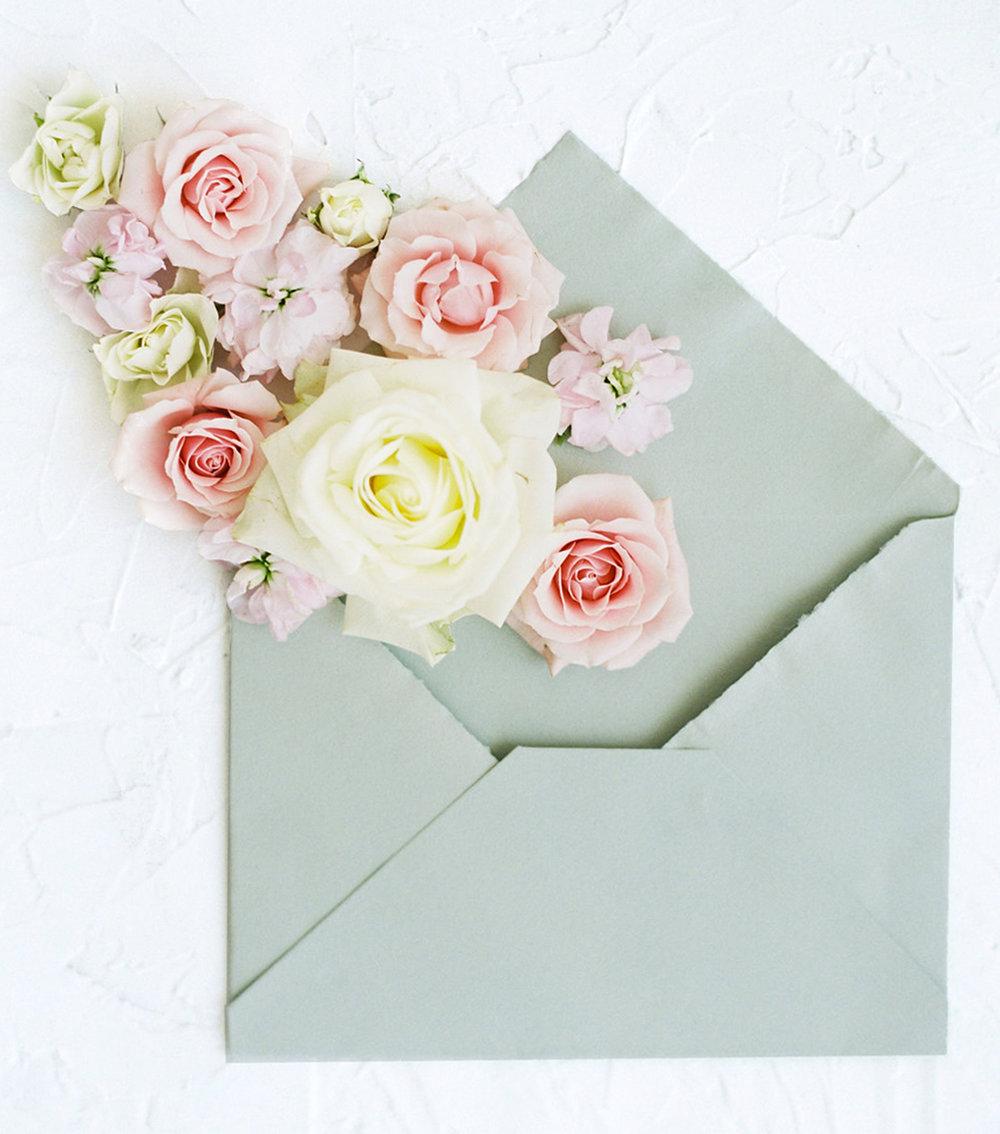 How to choose an envelope liner for your wedding invitations.  Blushed Design: Fine art wedding invitations and custom portraits.  #weddinginvitations #envelopeliners #fineartwedding