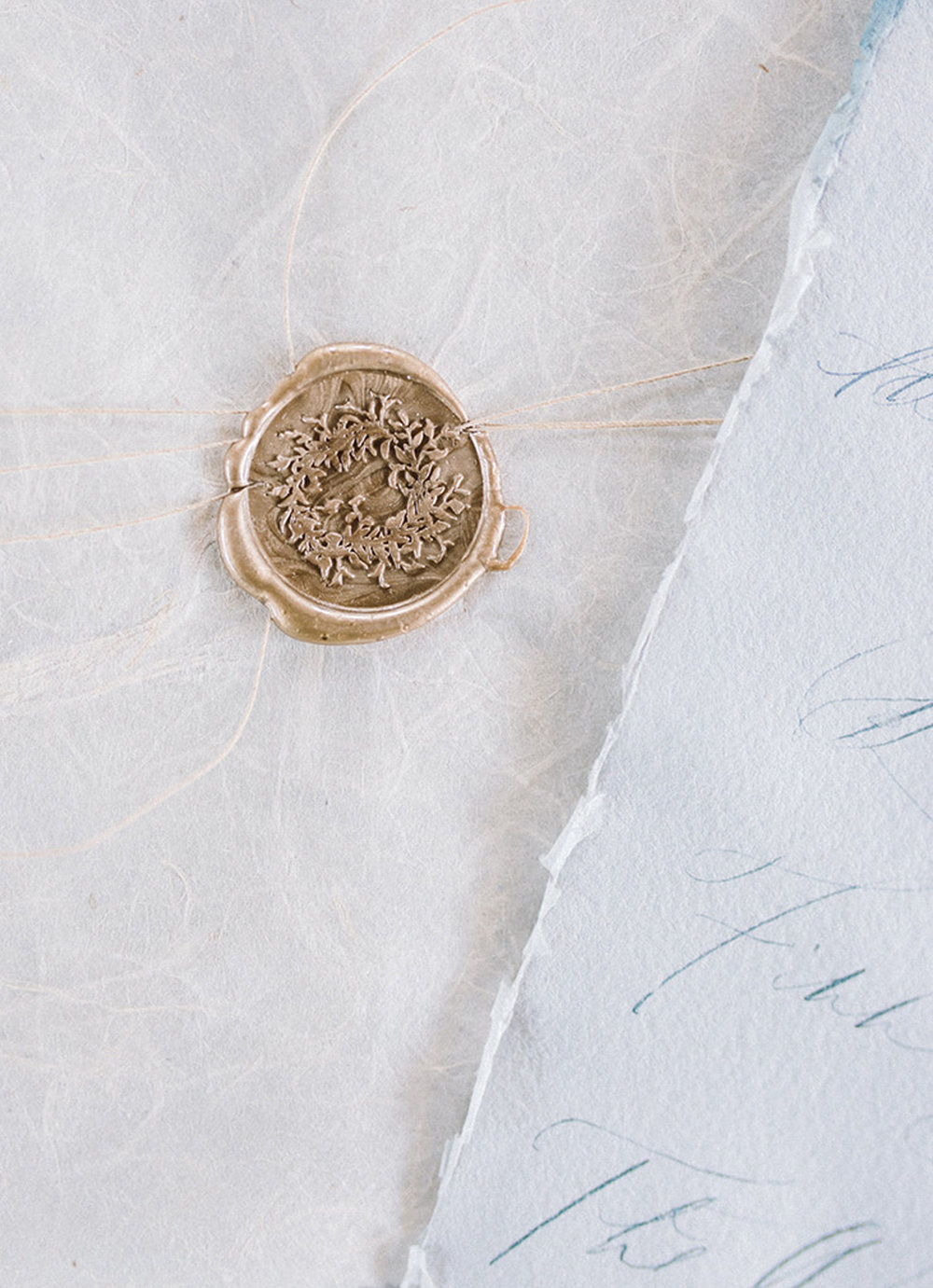 I can't get enough of this organic wax seal design! The effortless greenery is the perfect mixture of wreath and wild.  Read more about this wax seal design and my other 4 favorites on the blog! #waxseals #waxseal #waxsealdesign #fineartwedding #artisaire www.blusheddesign.com