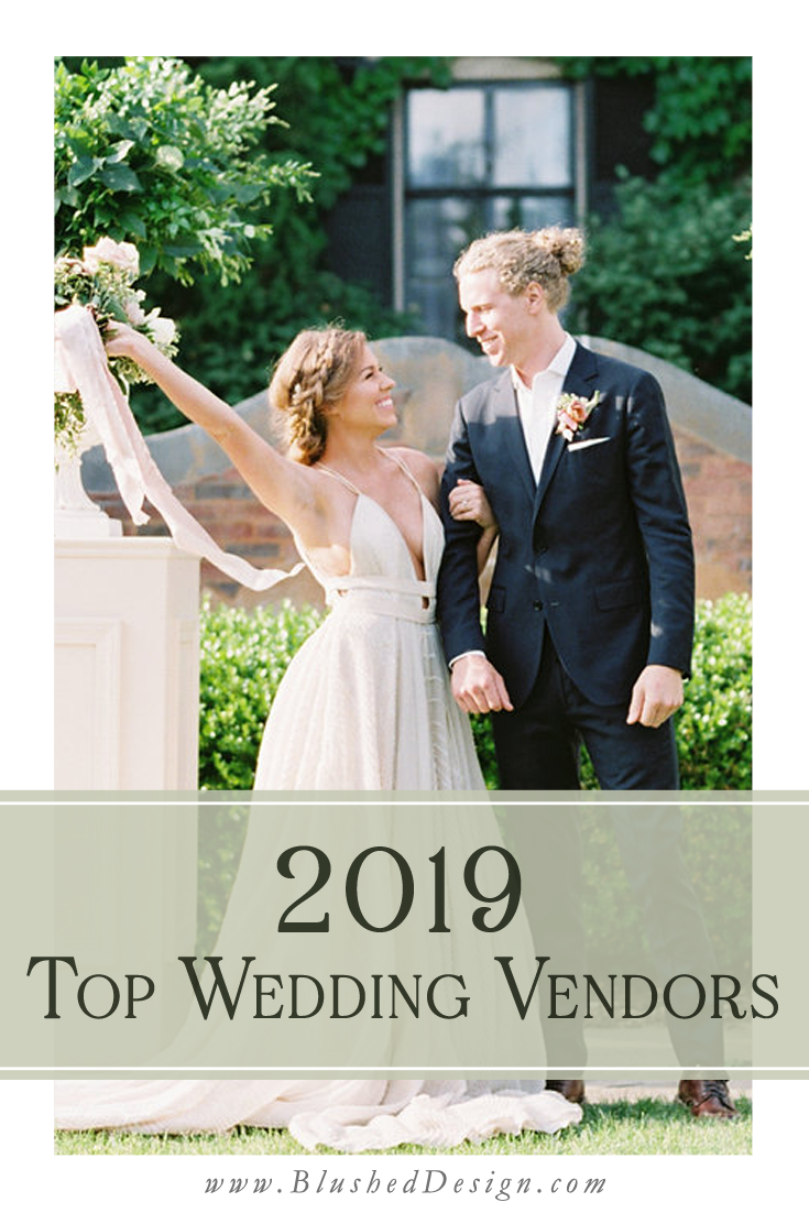 Find the perfect photographer for your wedding, the perfect wedding planner, the best of the best wedding cake bakery for your wedding!  My guide to the best wedding vendors for 2019!  Selected by a wedding industry pro! #midewestwedding #weddingvendors #weddingpro
