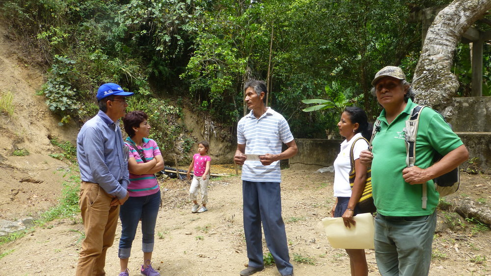 Clever, the community elder and our guide (tall man in center). Don Jorge Salazar on the left with his wife Maritza and daughter Lucia. The young woman works for Proturisco. And Bolivar (Napo) on the right.