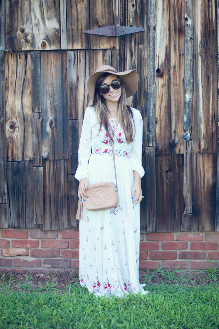 See how to style the perfect maxi dress with fashion blogger, Little Tree Vintage.