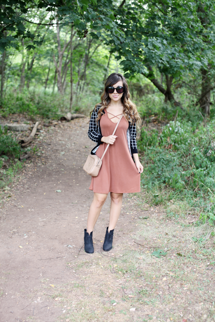 See how to style this burnt orange dress from day to night with fashion and lifestyle blogger, Little Tree Vintage.