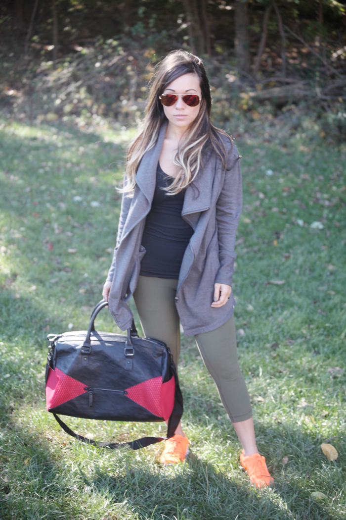 See how to style workout wear with fashion, lifestyle, and beauty blogger Little Tree Vintage.