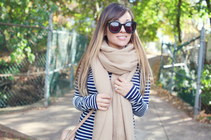 Styling a turtleneck and cozy scarf for Fall with fashion, lifestyle, and beauty blogger Little Tree Vintage.