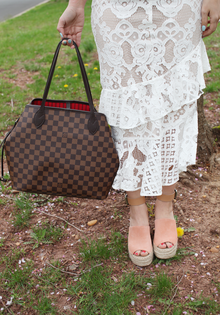 Fashion, lifestyle, and beauty blogger Little Tree Vintage styles this gorgeous lace skirt for Spring.