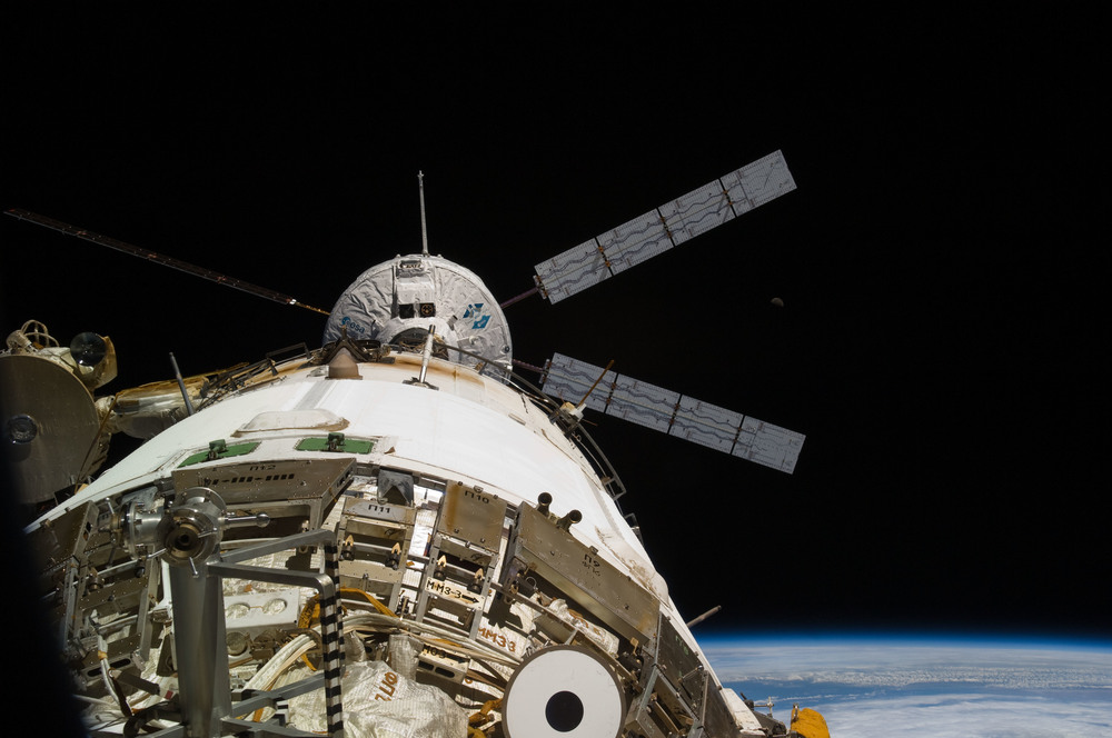 ATV approaches the aft port of the Russian  Zvezda  service module. Photo Credit: NASA