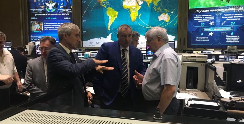 Cosmonaut Sergei Krikalev, left, and Roscosmos Director General Dmitry Rogozin, center, discuss the leak at the Russian mission control center in Korolev, Russia. Credit: Roscosmos