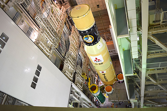 An H-IIB as seen being stacked in the vehicle assembly building at the Yoshinobu Launch Complex. Credit: Mitsubishi Heavy Industries
