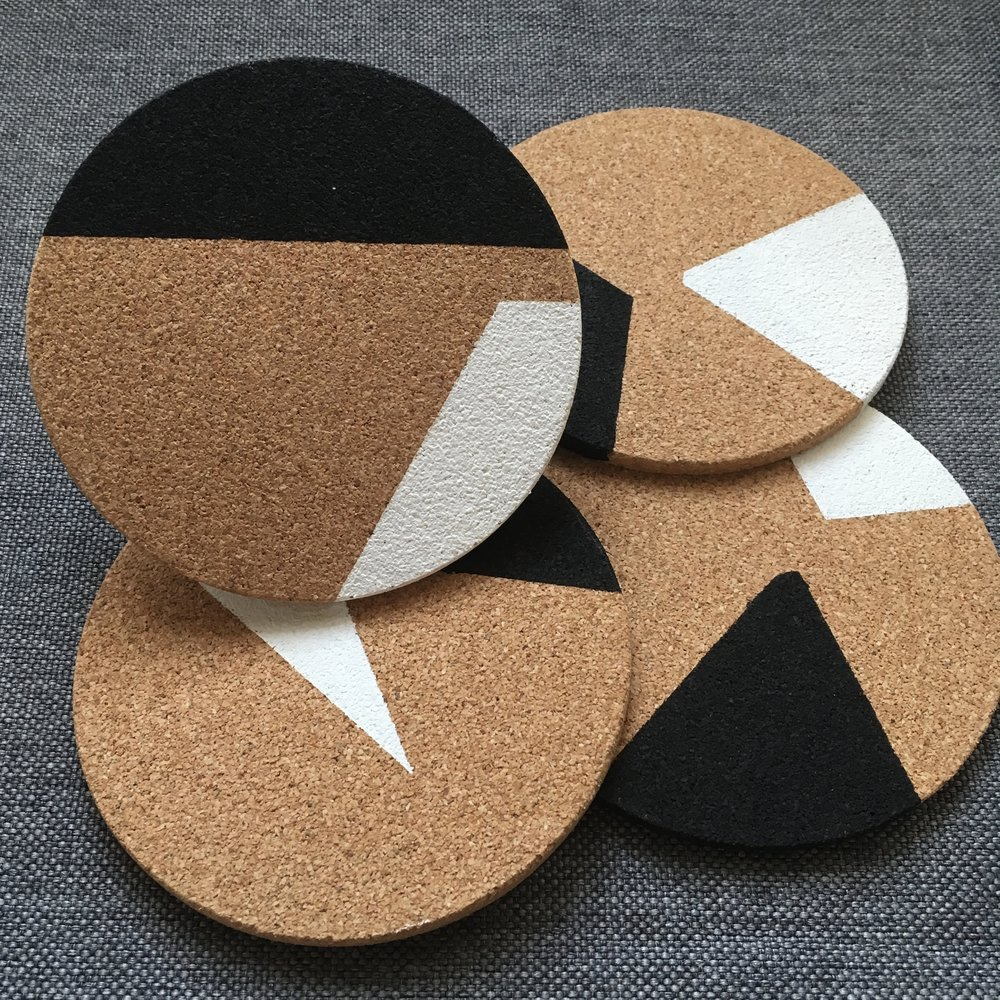 2-Color Block (Black & White)