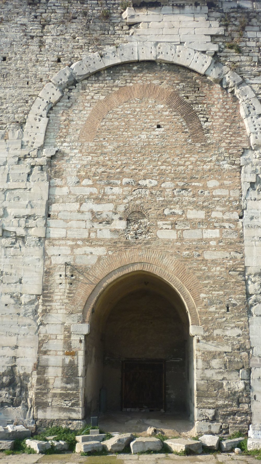 The ruin of the Golden Gate at the Theodosian Walls (photo by the author).