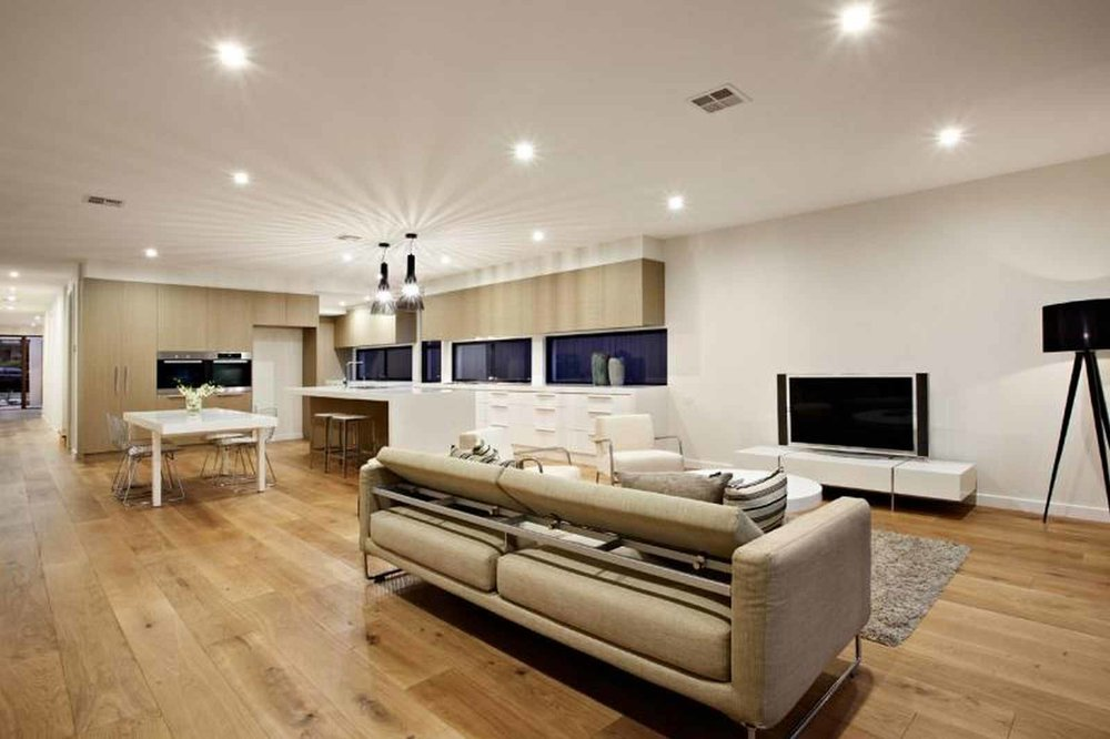 High End - Richmond European Rich Solid Oak  (Image: poshflooring.co.uk)