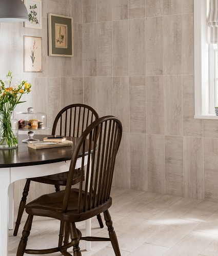 Low End - Batura Tile  (Image: Topps Tiles)