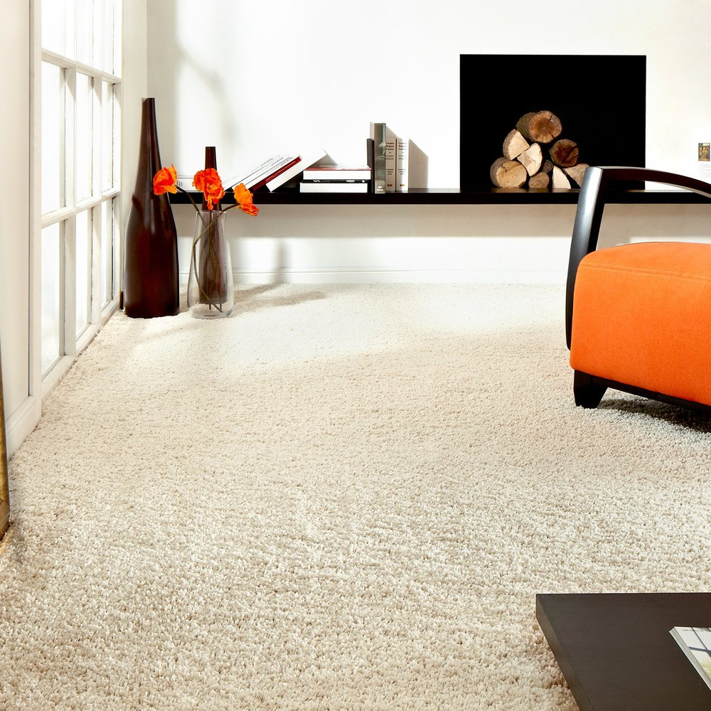 High End - Geneva Saxony Plain Carpet  (Image: Carpet Right)