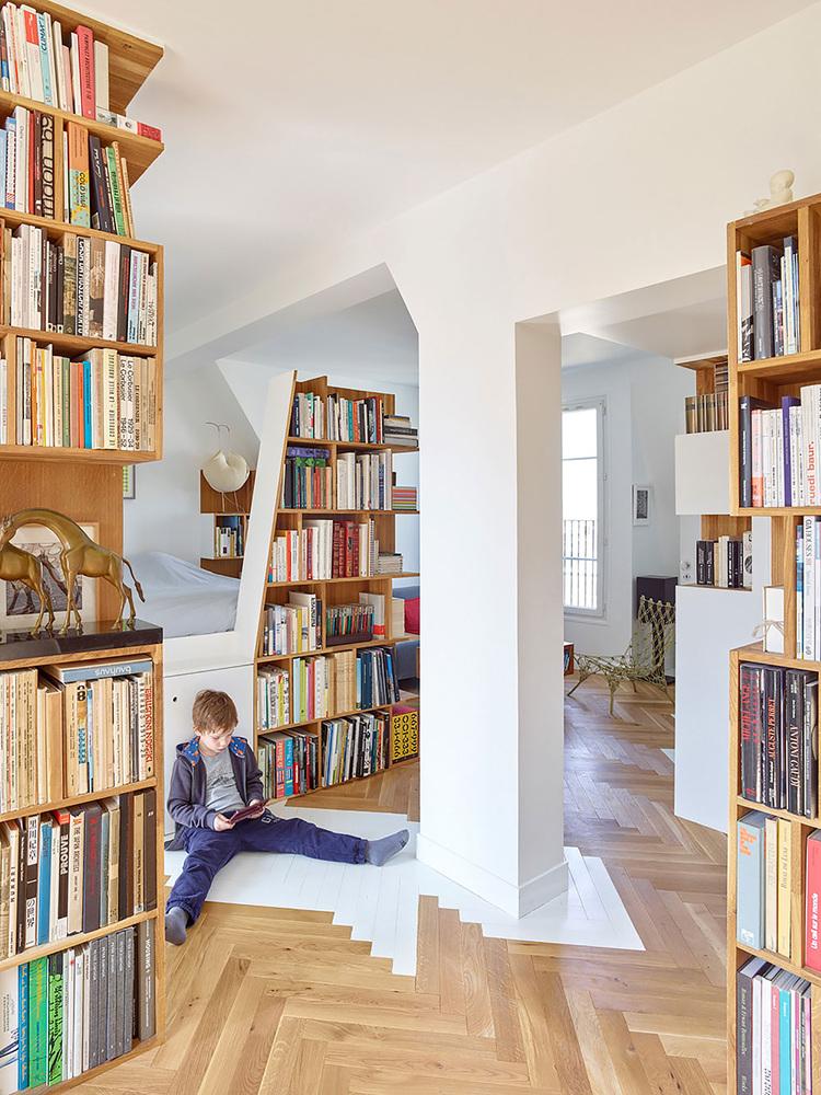 By   h2o architectes  via   Arch Daily . Photo by  Stéphane Chalmeau
