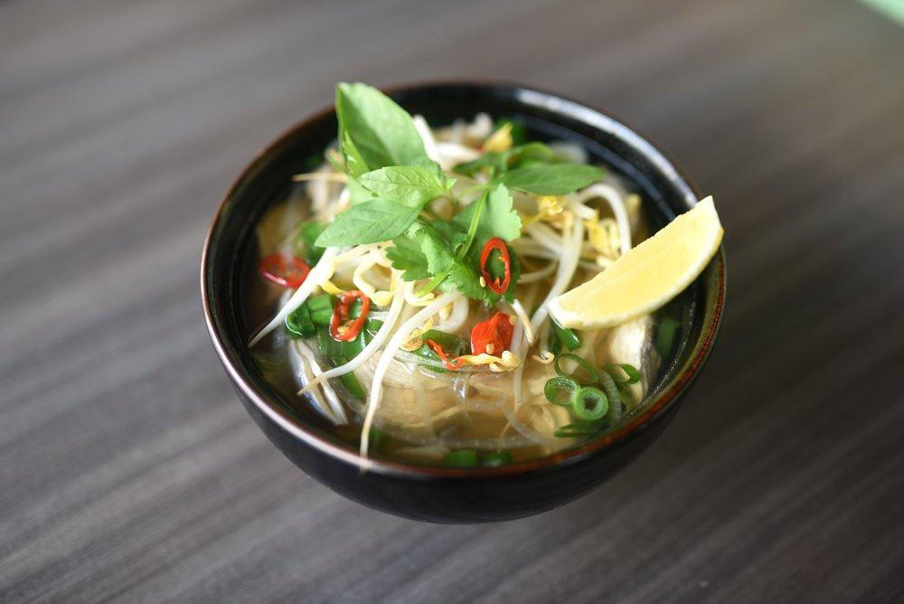 Yen Linh - Vietnamese