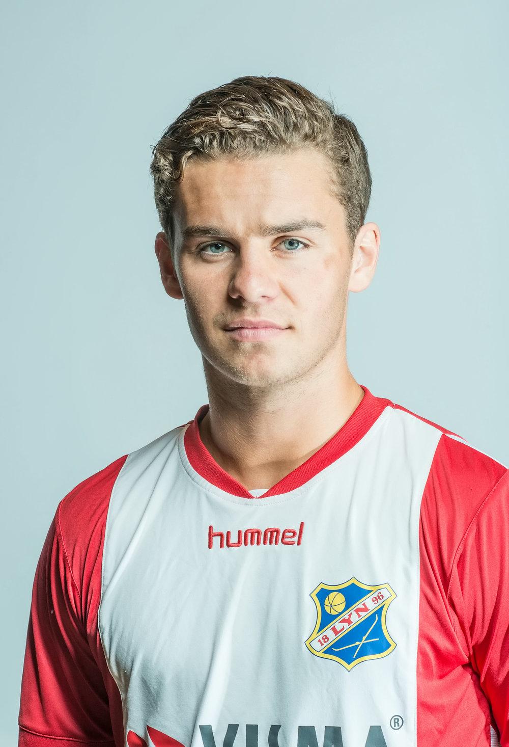 - Bilde kommerFødt: 20.03.1998Fødested: OsloTidligere klubber: StabækPosisjon: MidtbaneKom til Lyn: Juni 2017