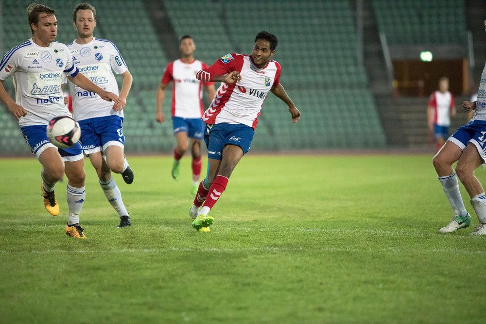 Anwar Pellegrino scoret hat trick mot Redalen